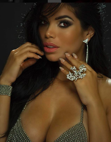 ivanbittonstylehouse Hot close up with actress and  @youtube  and Internet sensation  @suelynmedeiros  wearing our designers  @sambacjewelry   @liquidmetalcollection styled by  @eburnsprepjerks  fashion provided by  #ivanbittonstylehouse