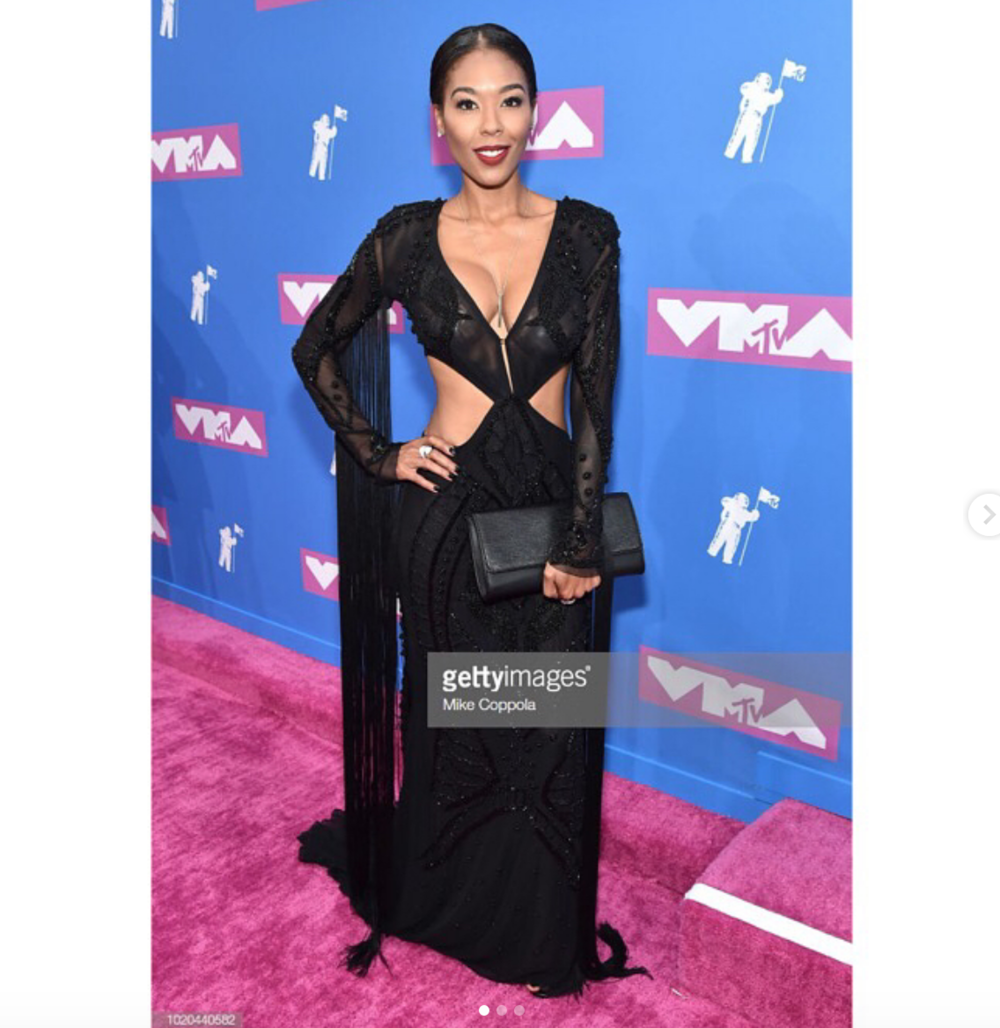Striking!  @loveandhiphop  star  @moniece_slaughter making heads turns at the  @mtv   #vmas wearing our fabulous designers  @aelkemi_inc  manage by  @a.us_official styled by  @Jaistyledit_  fashion provided by  #ivanbittonstylehouse