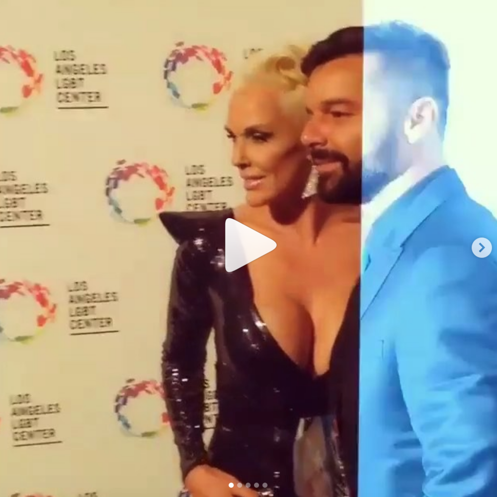 Spotted! Pop superstar  @rickymartin  and Iconic actress  @realbrigittenielsen  wearing our designers  @tinasummerslabel   @laureldewitt  @sambacjewelry  at the  @lgbt_history  #vanguardawards  red carpet hosted by  @kellyripa  styled by  @ivanbitton  assisted by  #teambitton   @mareeyuhh._  fashion provided by  #ivanbittonstylehouse