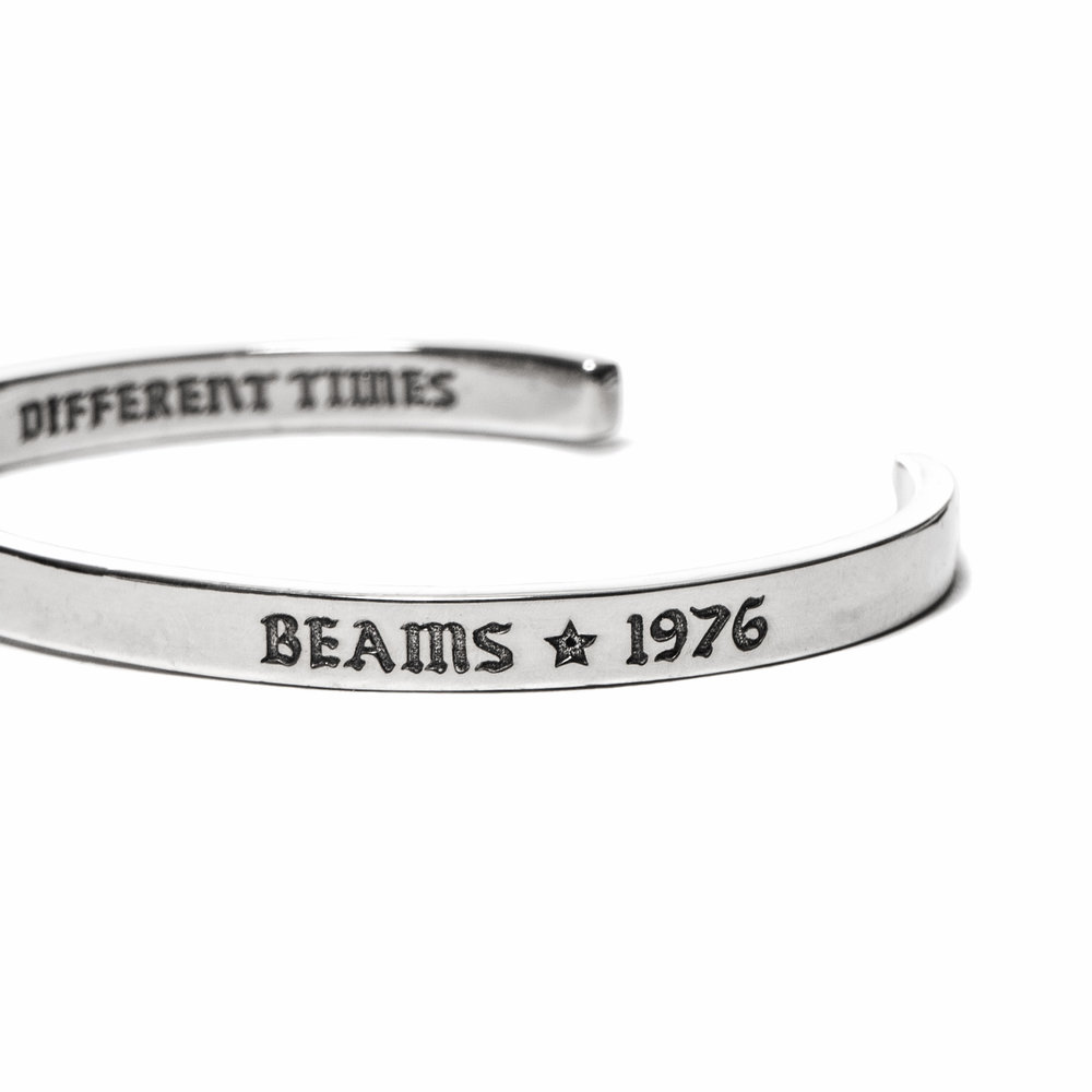 MAPLE-x-BEAMS-So-Many-Changes-Back-Bangle-Silver-2.jpg