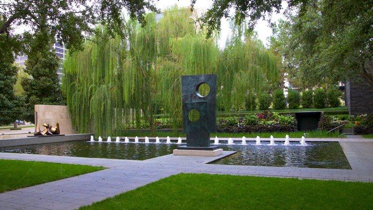 Photo via Expedia.com
