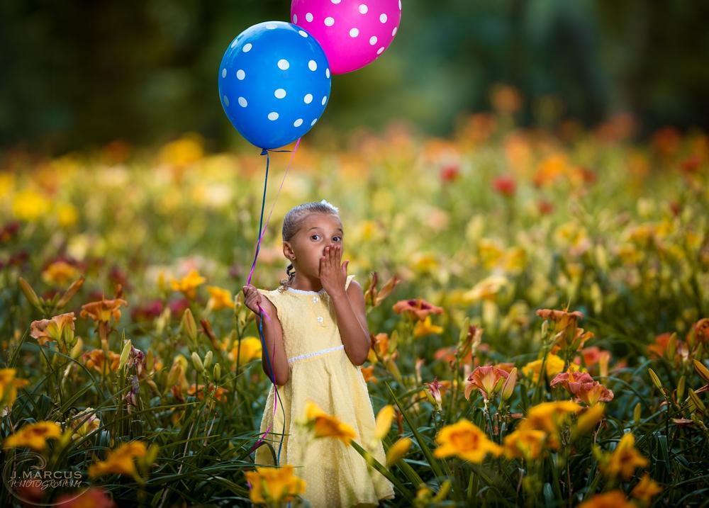 Wonderland balloons.jpg