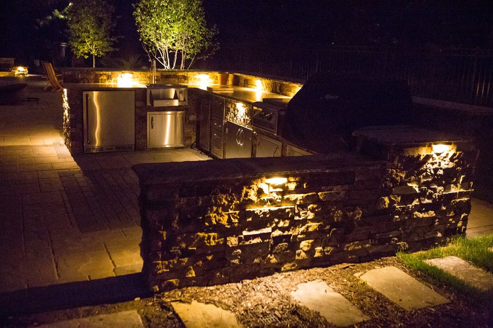 Outdoor Kitchen Landscape Lighting