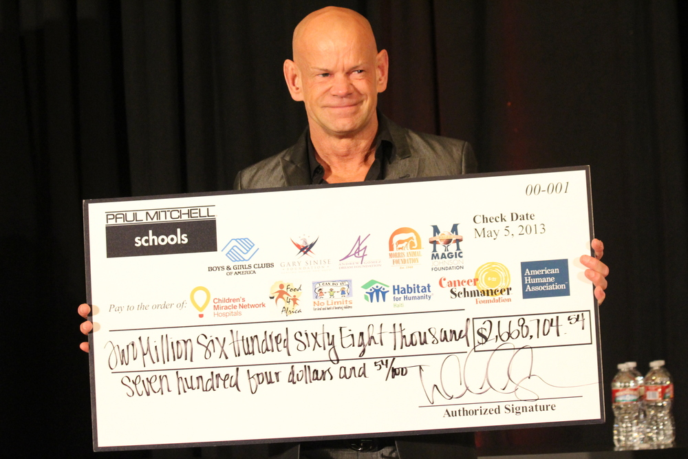 2013 Gala - Winn big check.JPG