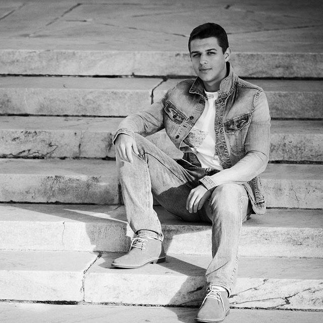 🌚 #cleveland #clevelandphotographer #portraitphotography #seniorpictures #seniorportraits #seniorphotographer #clevelandseniorphotographer #clevelandportraitphotographer #clevelandfamilyphotographer #highschoolsenior #portraitphotography #portrait #portraitmood