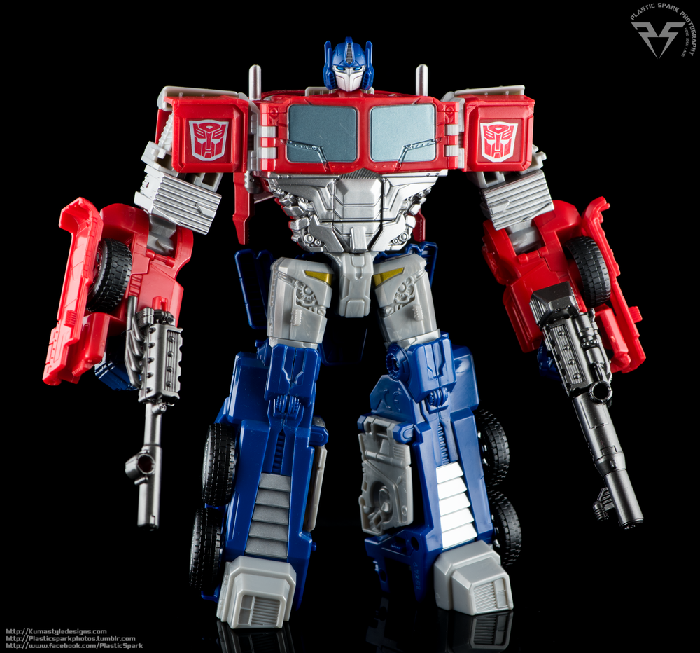 Combiner-Wars-Optimus-Prime-(1-of-19).png