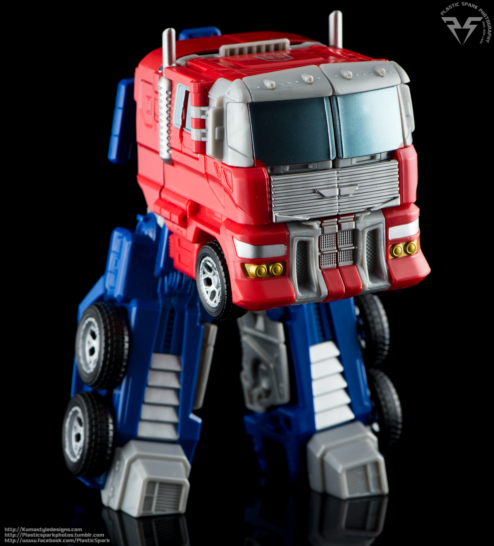 Combiner-Wars-Optimus-Prime-(14-of-19).png