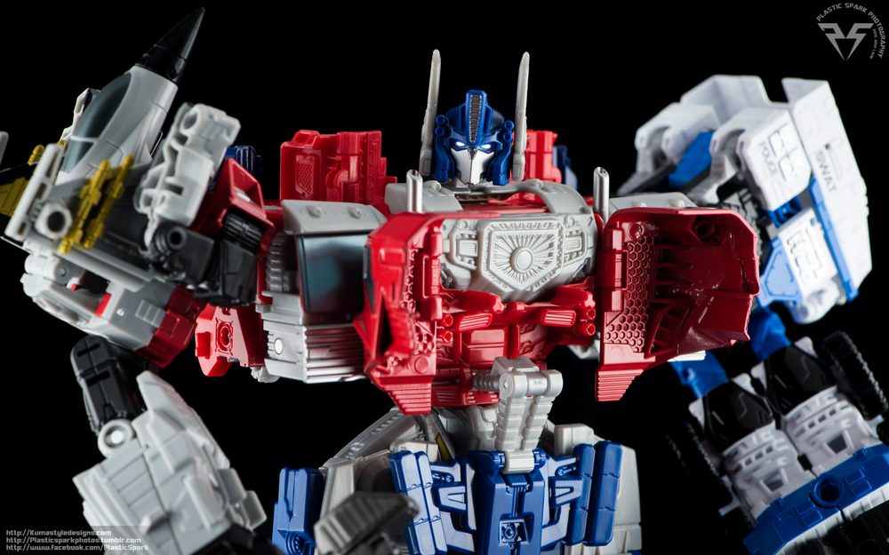 Combiner-Wars-Optimus-Prime-(16-of-19).png
