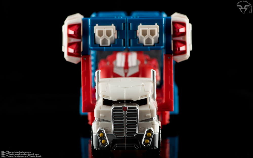 Combiner-Wars-Ultra-Magnus-(3-of-13).png