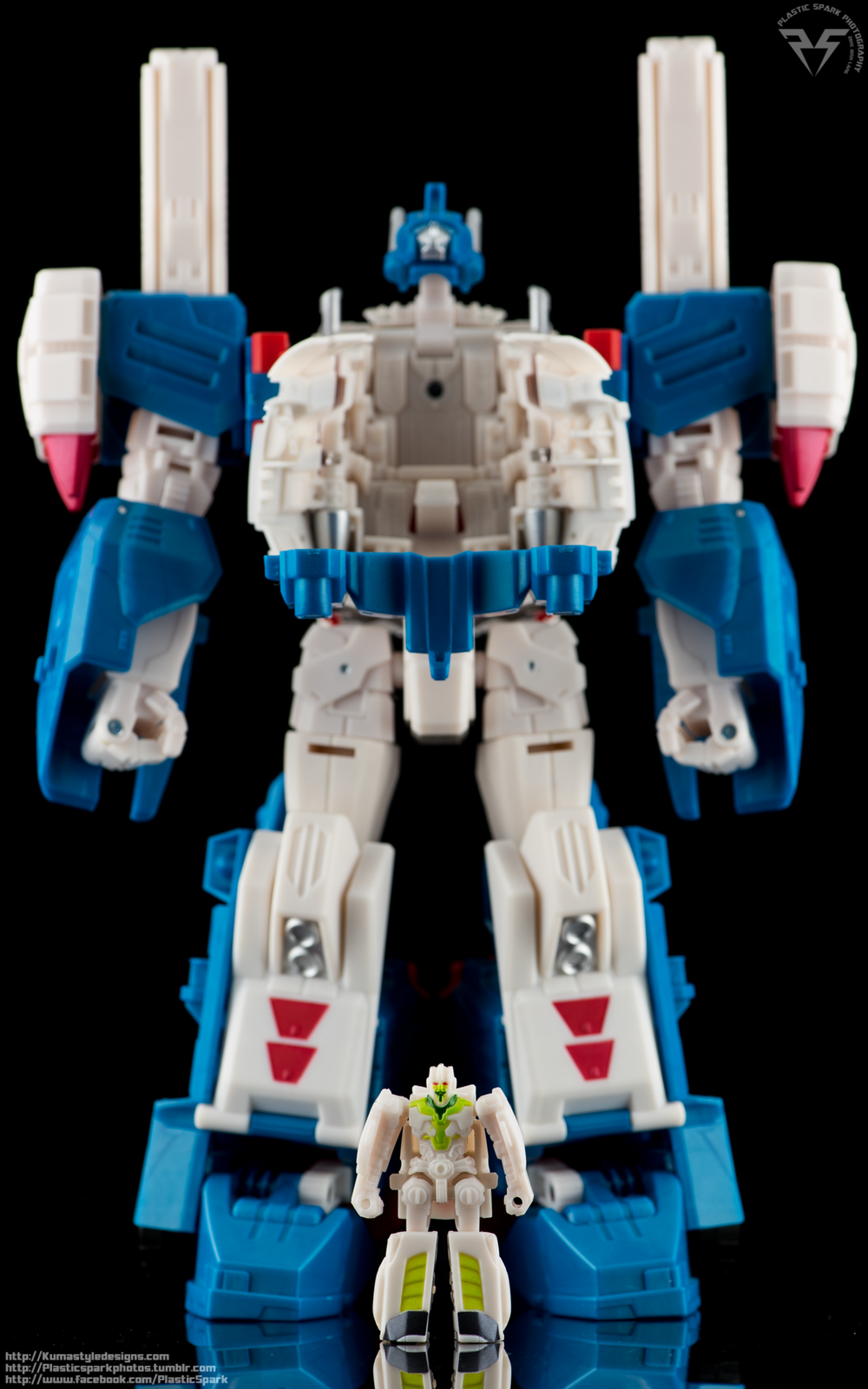 Combiner-Wars-Ultra-Magnus-(6-of-13).png