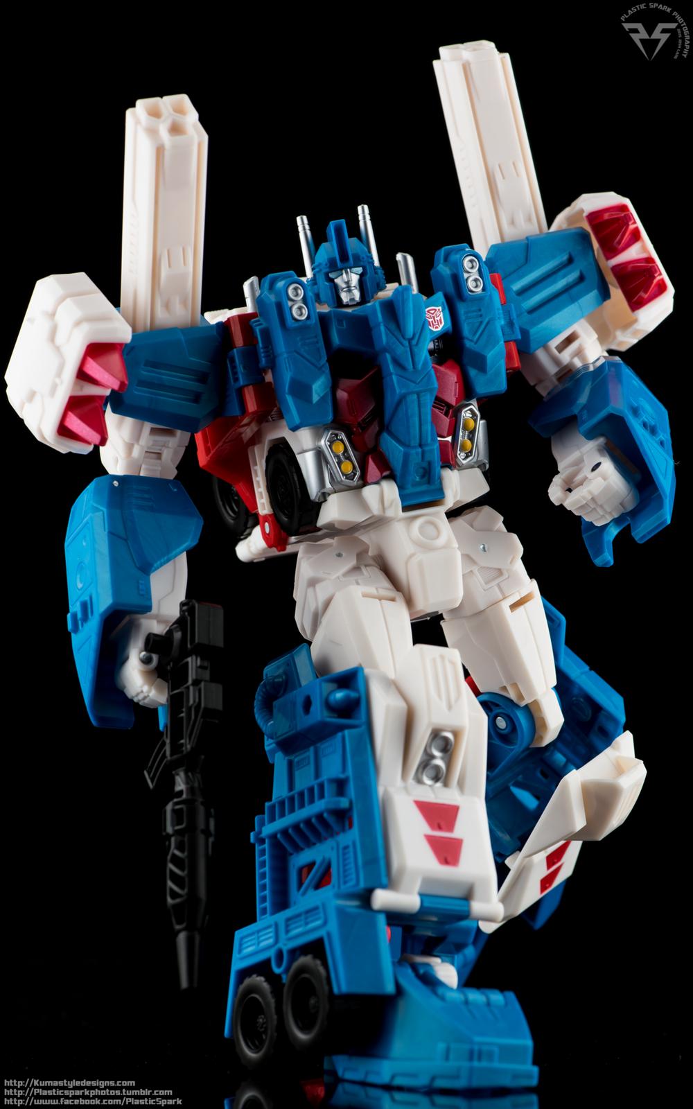 Combiner-Wars-Ultra-Magnus-(12-of-13).png