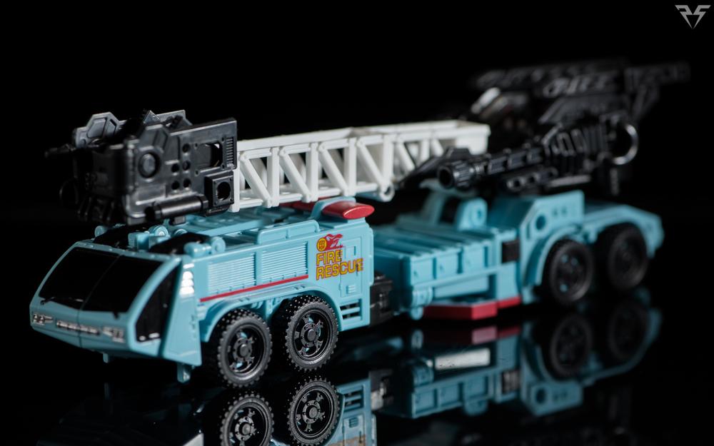 Combiner Wars Hot Spot (1 of 9).jpg
