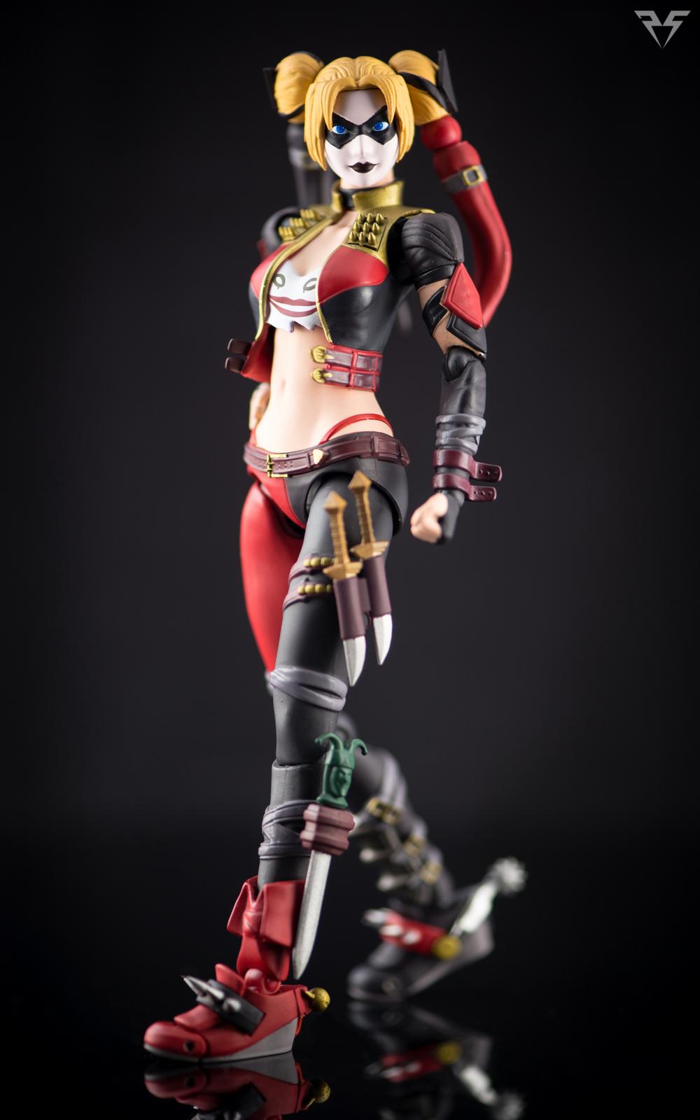 Figuarts Harley Quinn-1.jpg