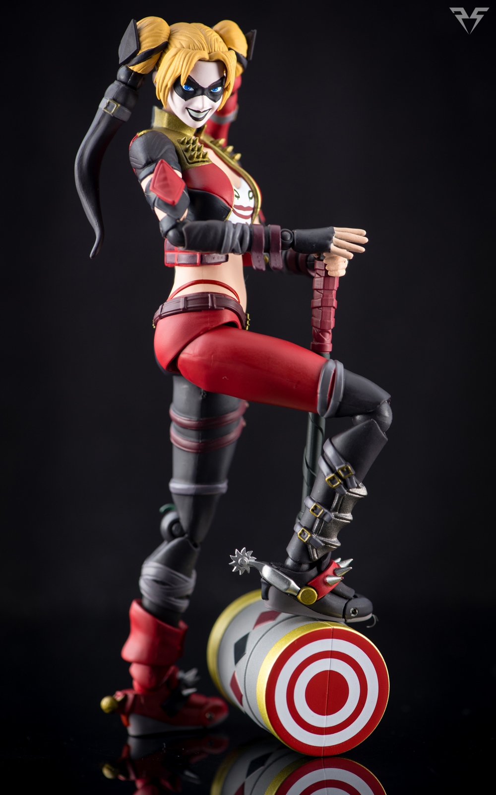 Figuarts Harley Quinn-14.jpg
