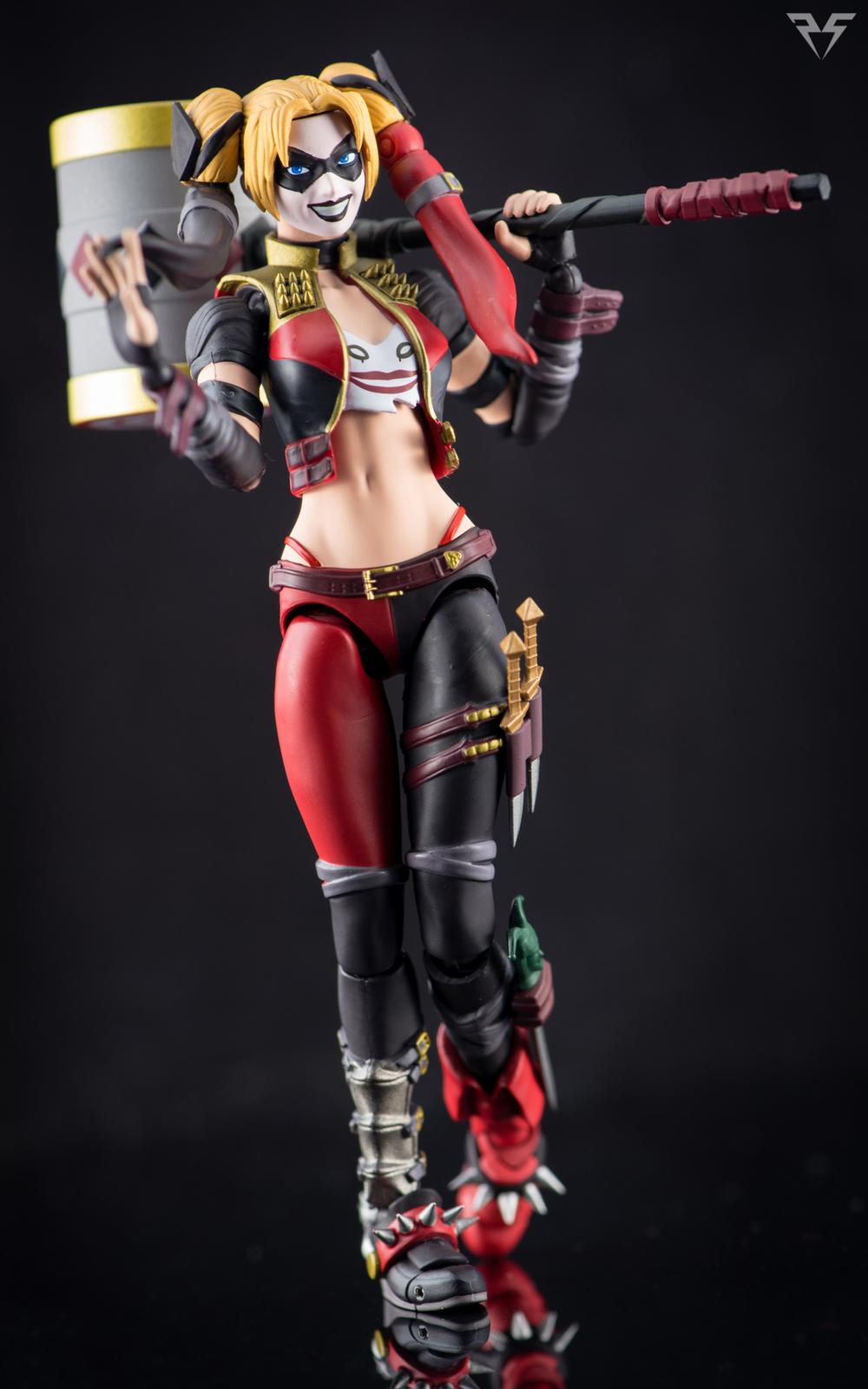 Figuarts Harley Quinn-15.jpg