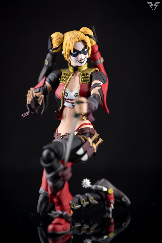 Figuarts Harley Quinn-21.jpg