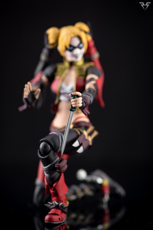 Figuarts Harley Quinn-22.jpg