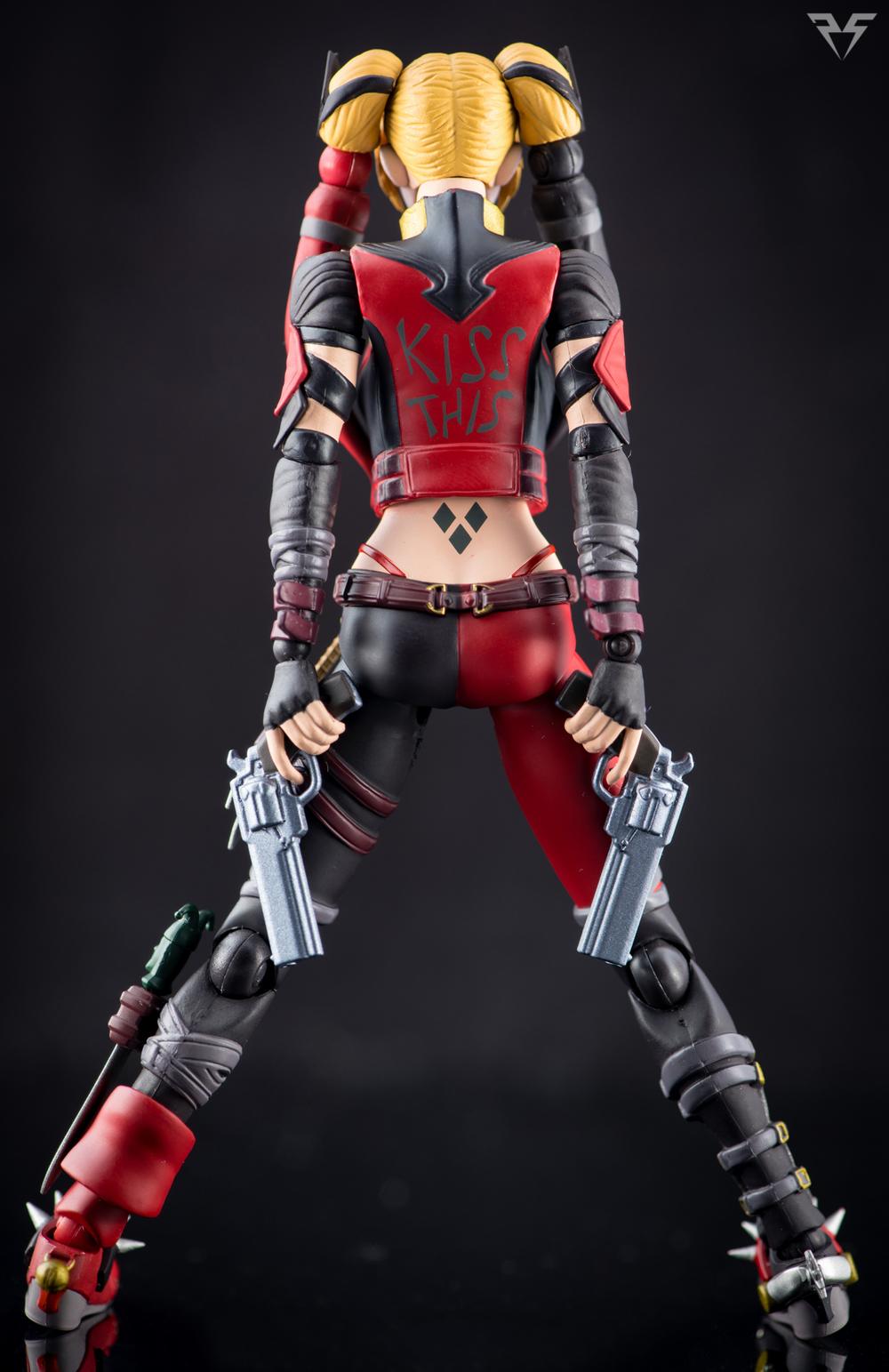 Figuarts Harley Quinn-25.jpg
