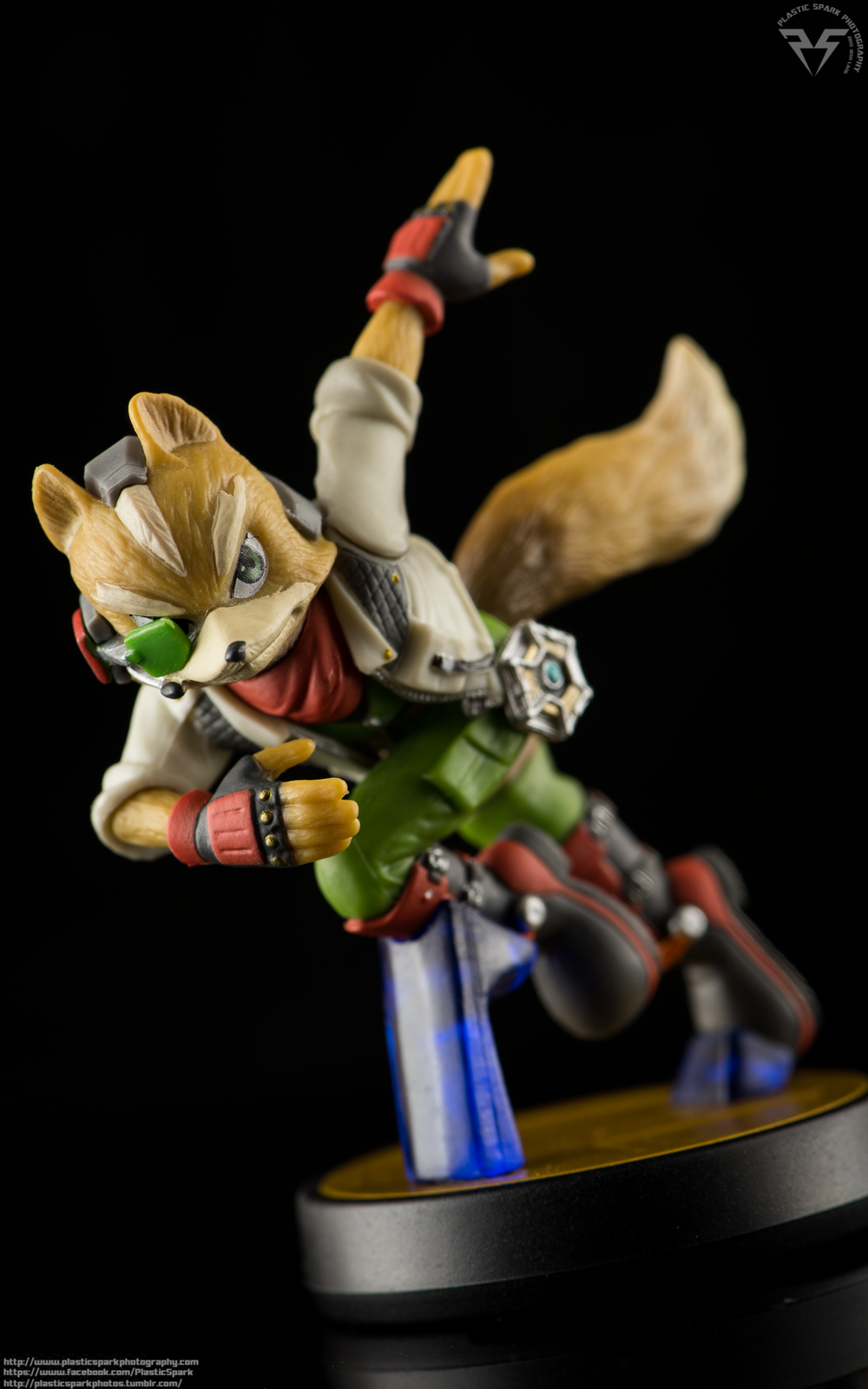 Amiibo-Fox-and-Falco-(3-of-6).png