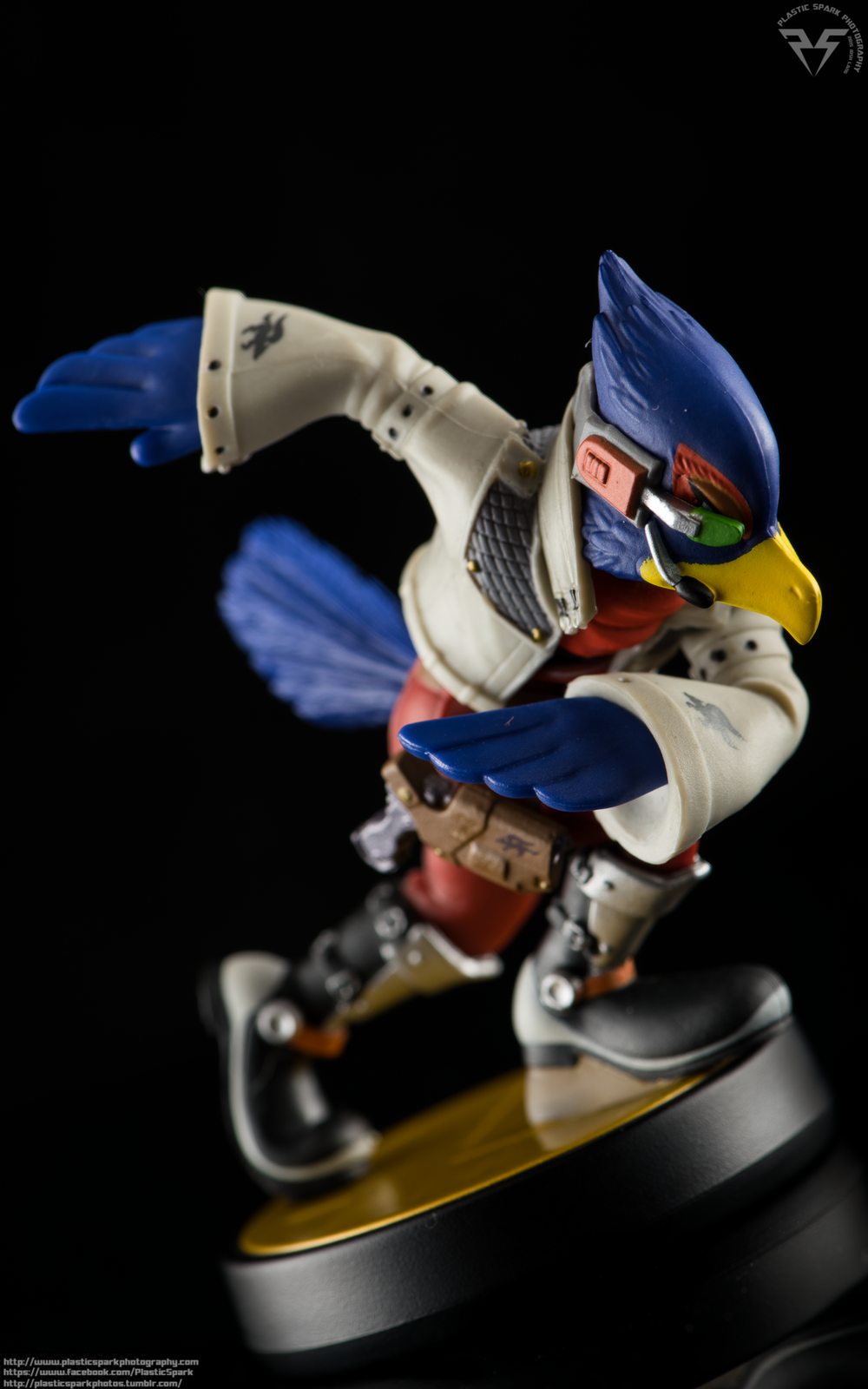 Amiibo-Fox-and-Falco-(5-of-6).png