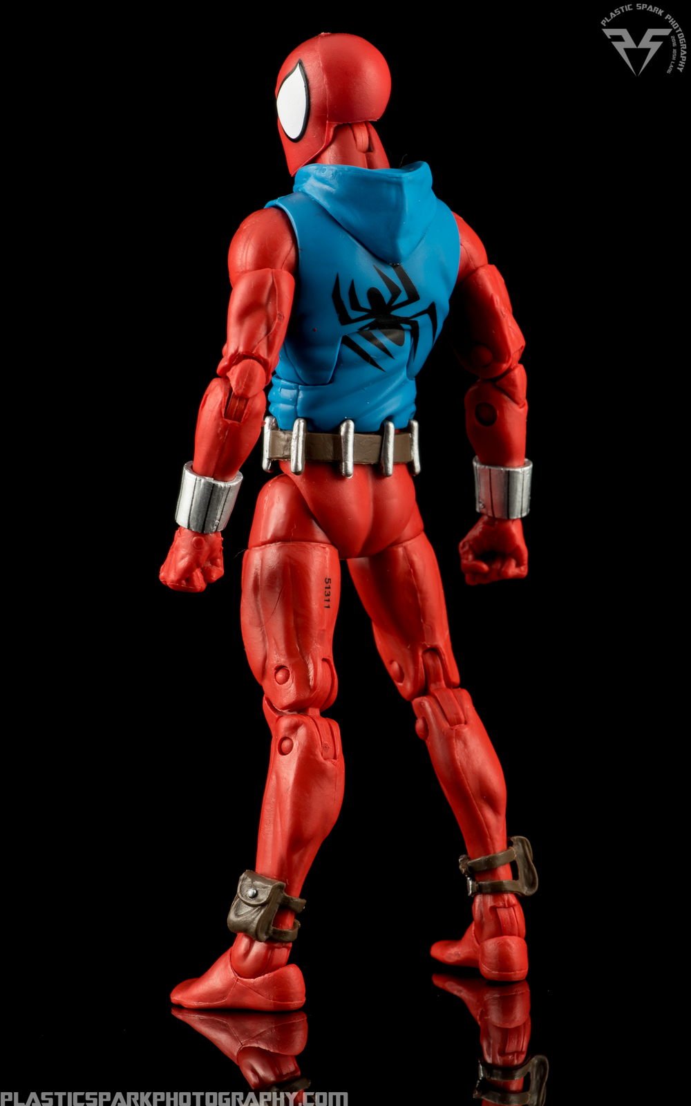 Marvel-Legends-Scarlet-Spider-(2-of-11).png