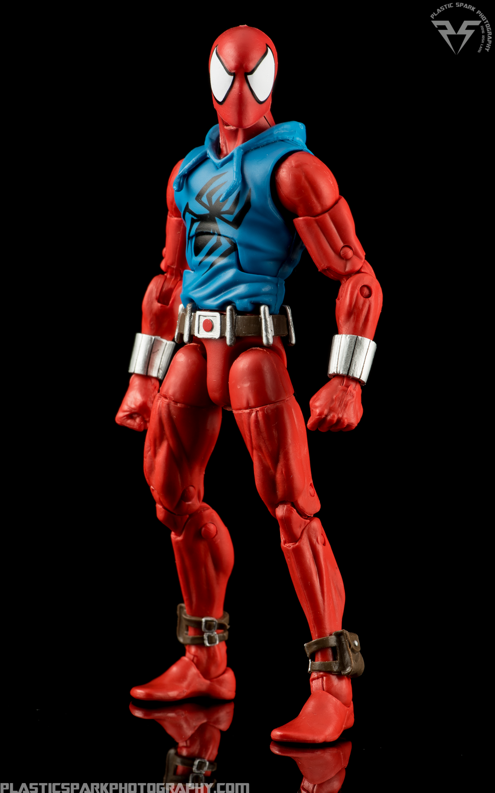 Marvel-Legends-Scarlet-Spider-(1-of-11).png