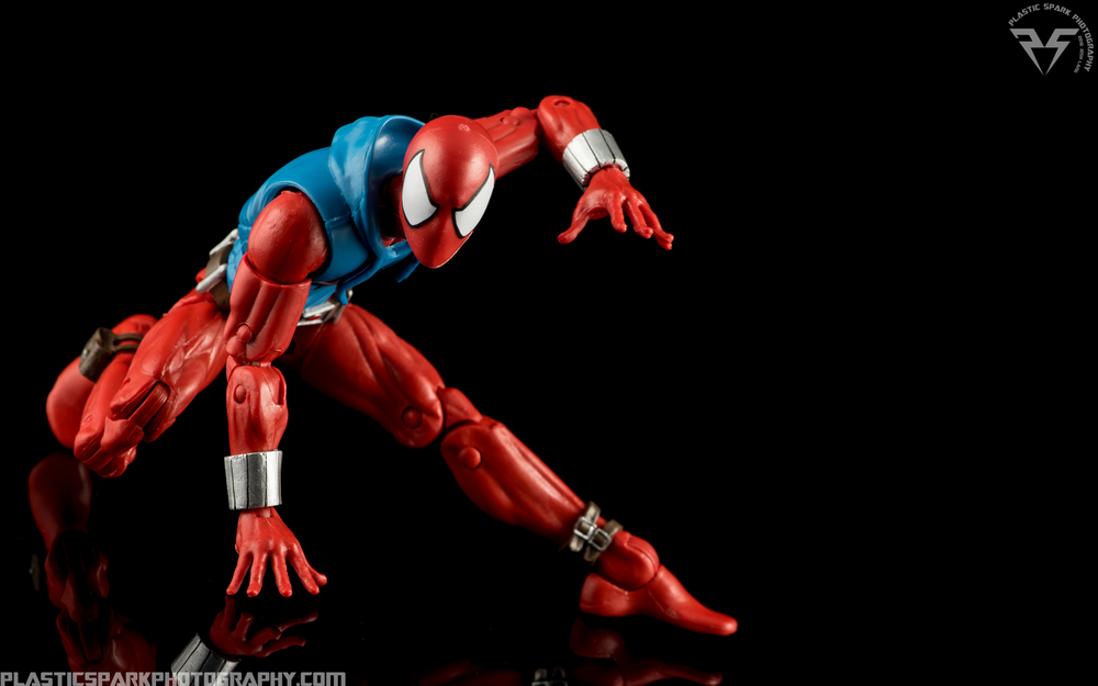 Marvel-Legends-Scarlet-Spider-(4-of-11).png