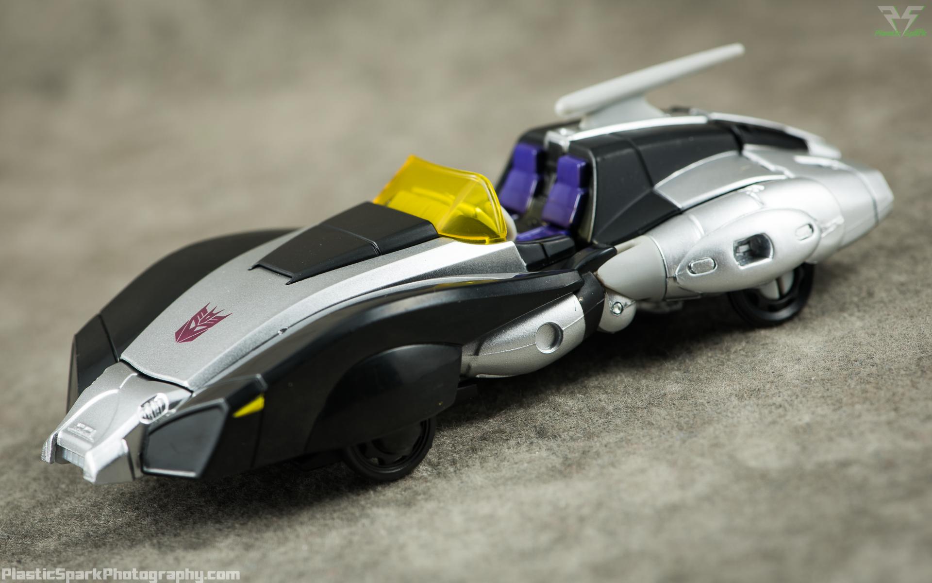 Takara-LG15-Nightbird-Shadow-(2-of-11).png