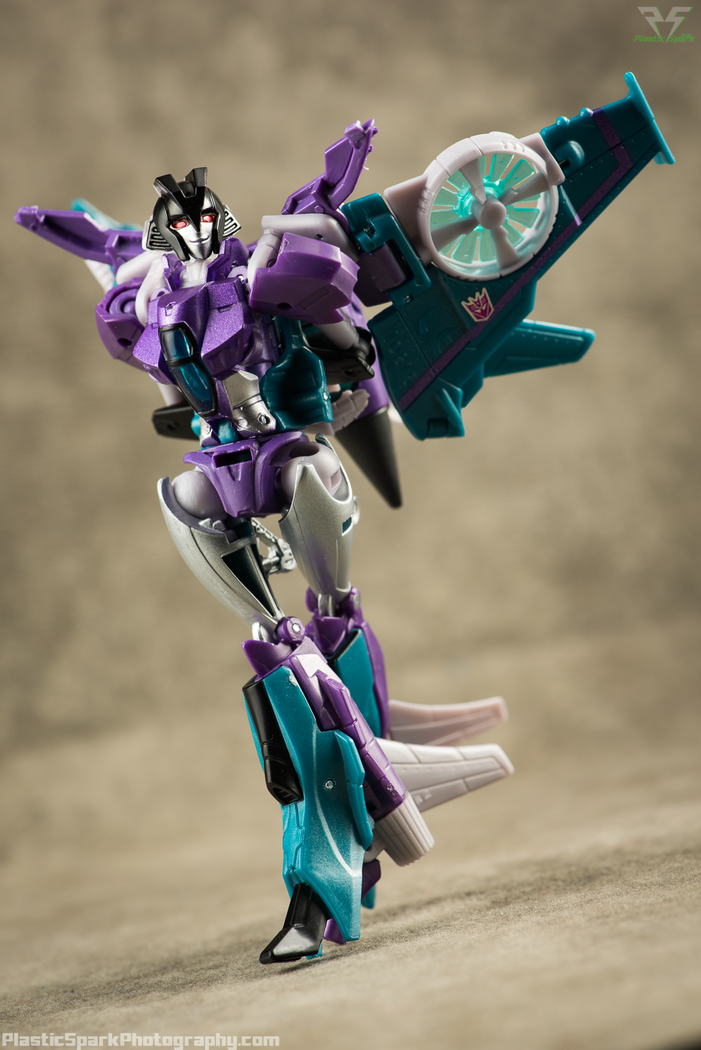 Takara-LG16-Slipstream-(12-of-12).png