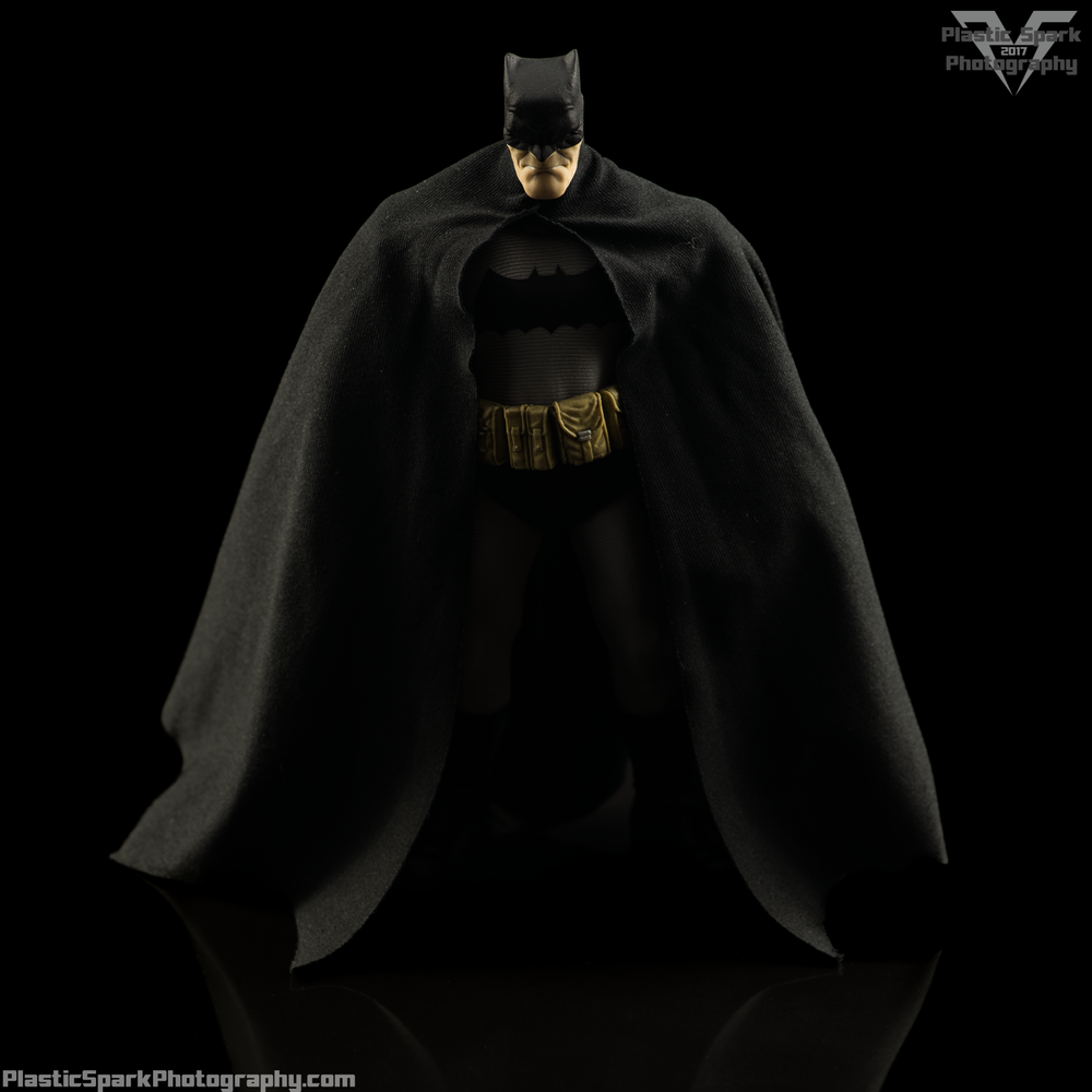 Mezco-One-12-Collective---Batman-Supplemental-(5-of-5).png