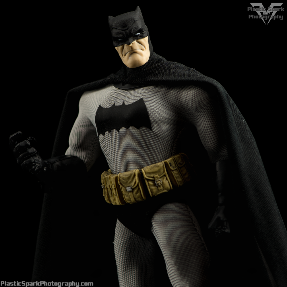 Mezco-One-12-Collective---Batman-(1-of-21).png