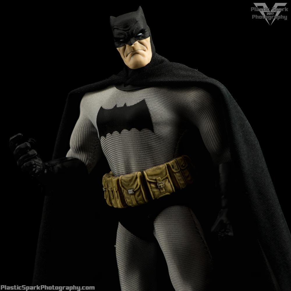 Mezco-One-12-Collective---Batman-(1-of-21).png