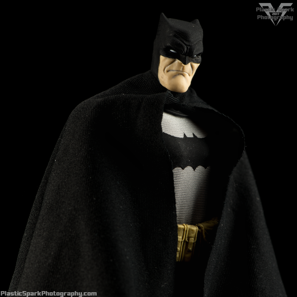 Mezco-One-12-Collective---Batman-(3-of-21).png