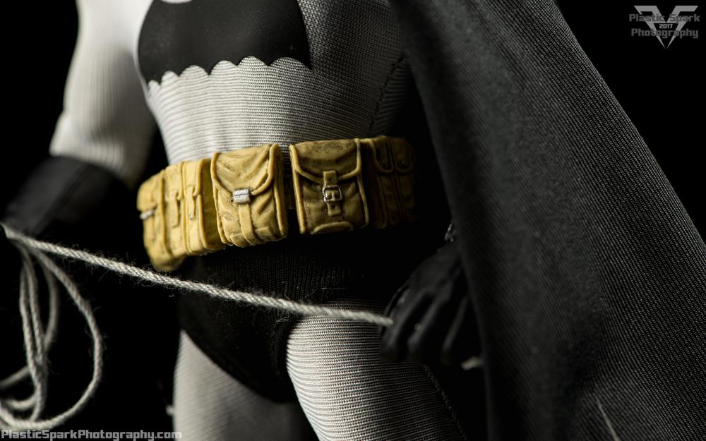 Mezco-One-12-Collective---Batman-(15-of-21).png