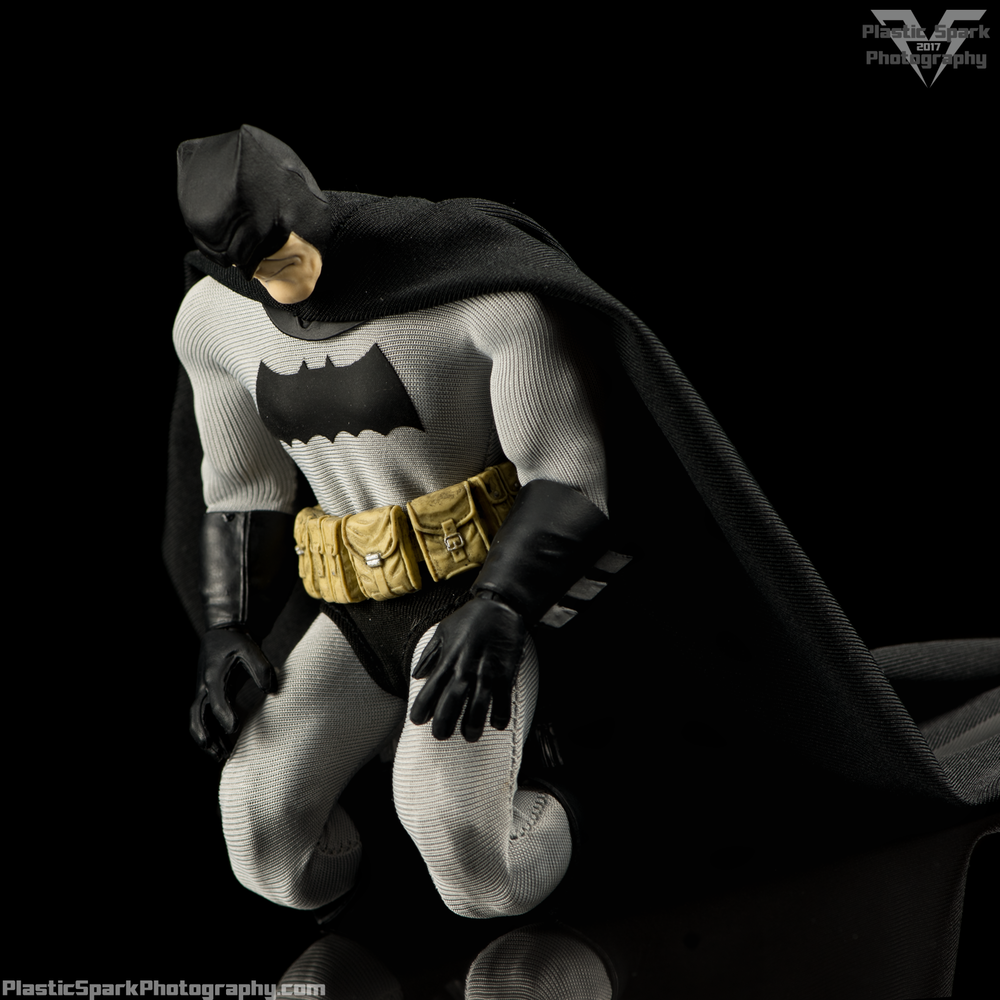 Mezco-One-12-Collective---Batman-(21-of-21).png
