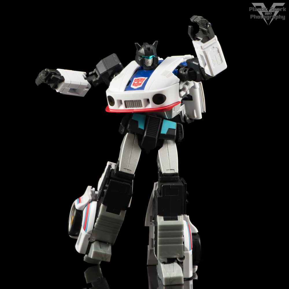 MakeToys-Re-Master-MTRM-09-Downbeat--(5-of-42).png