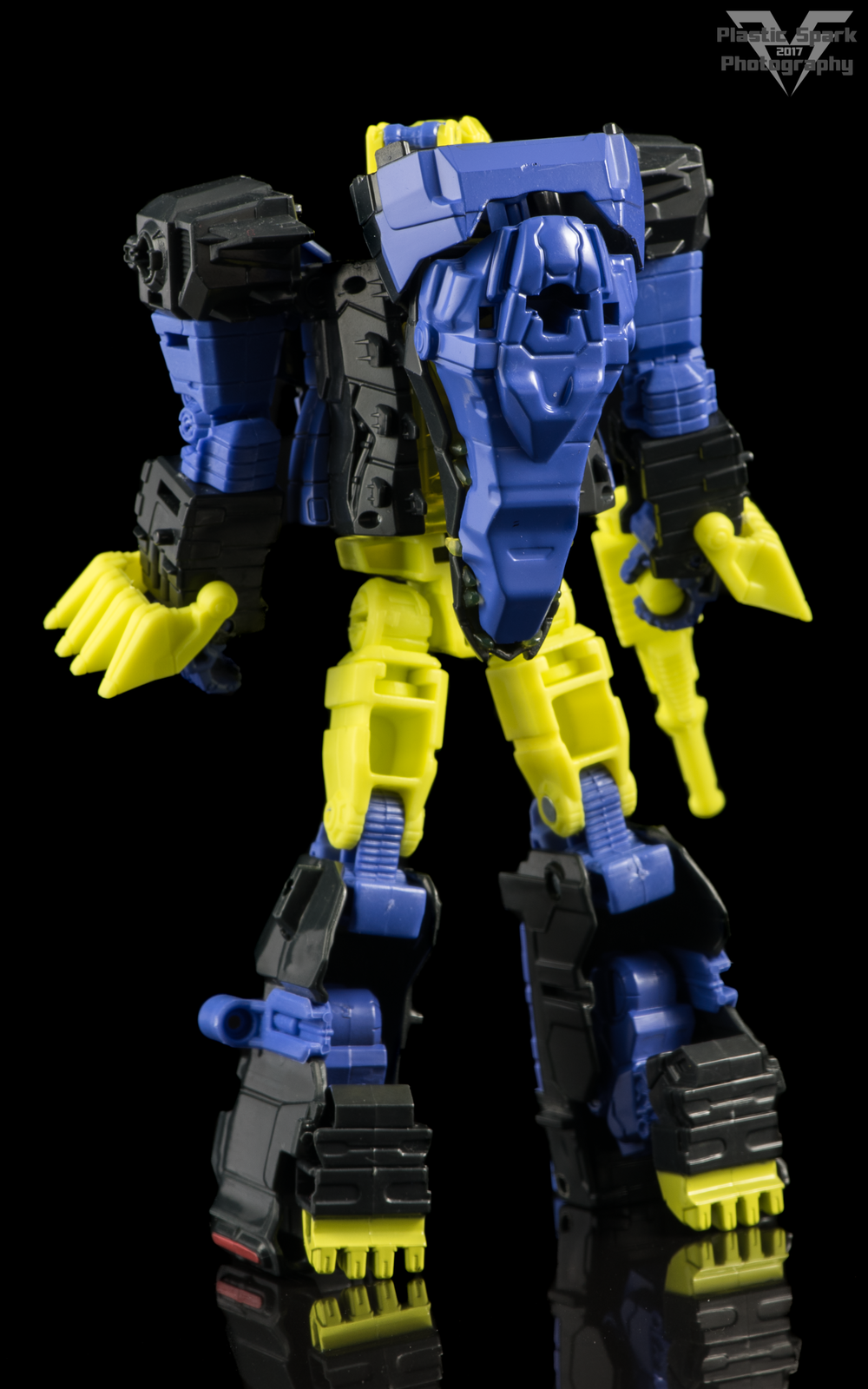 Hasbro-Titans-Return-Deluxe-Krok-(2-of-10).png