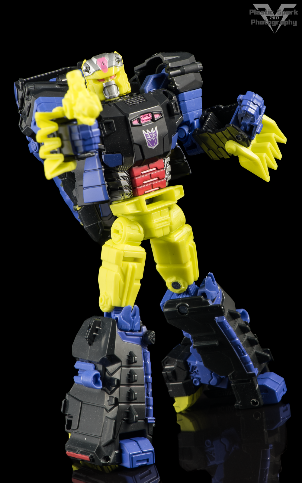 Hasbro-Titans-Return-Deluxe-Krok-(1-of-10).png