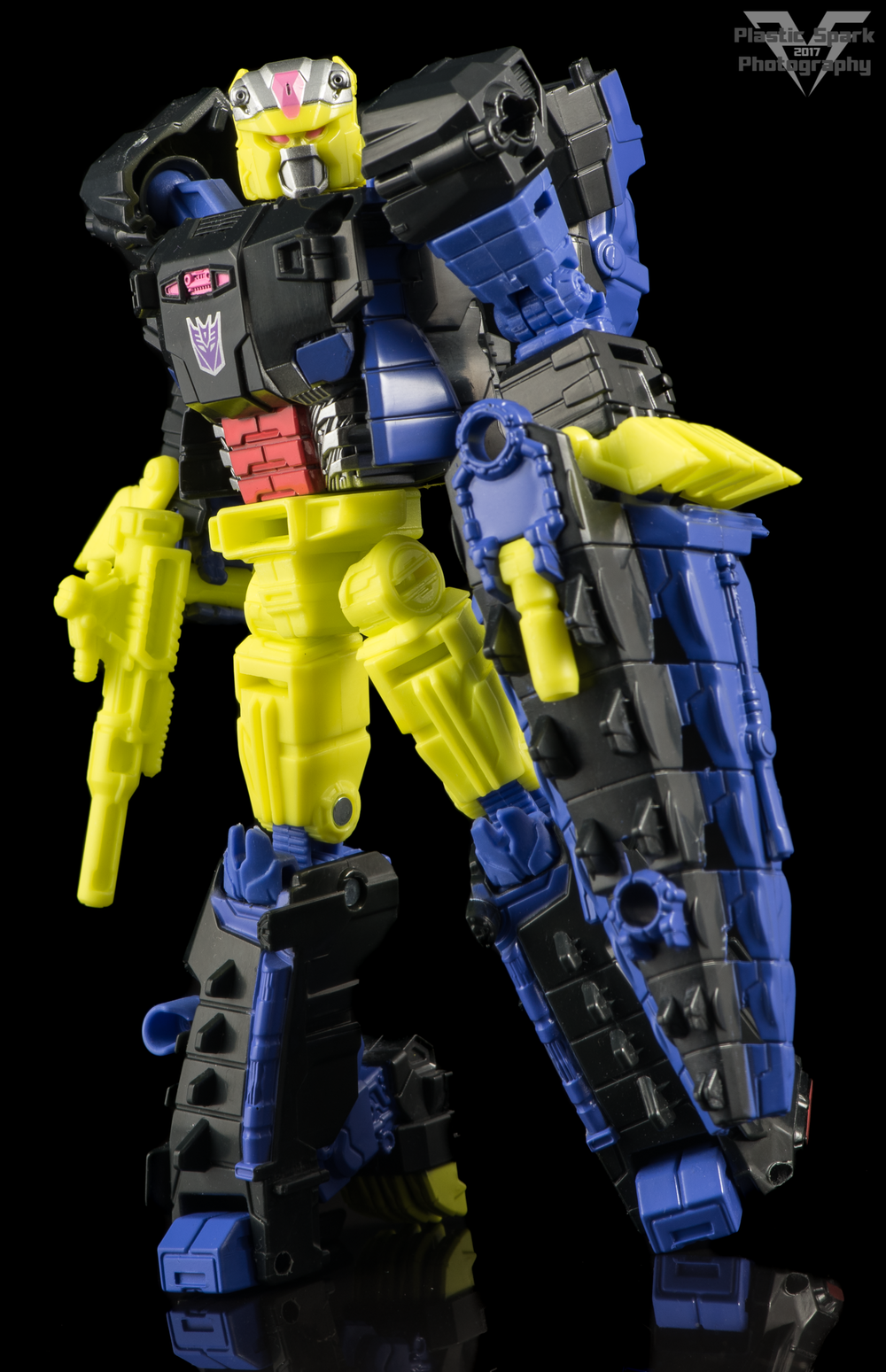 Hasbro-Titans-Return-Deluxe-Krok-(4-of-10).png