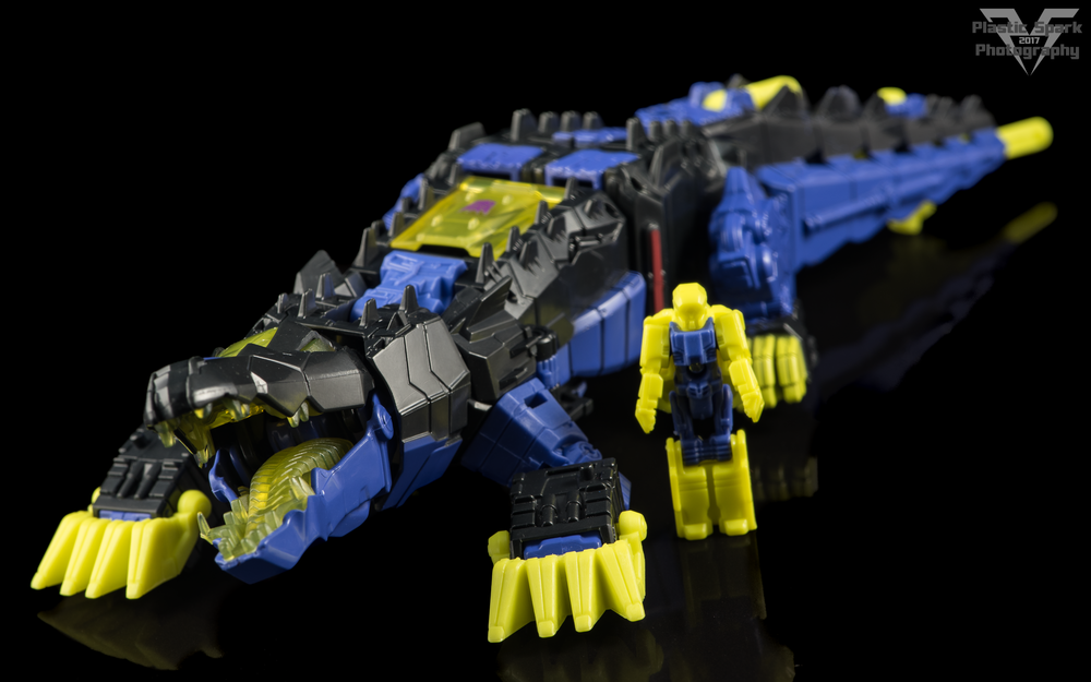 Hasbro-Titans-Return-Deluxe-Krok-(7-of-10).png