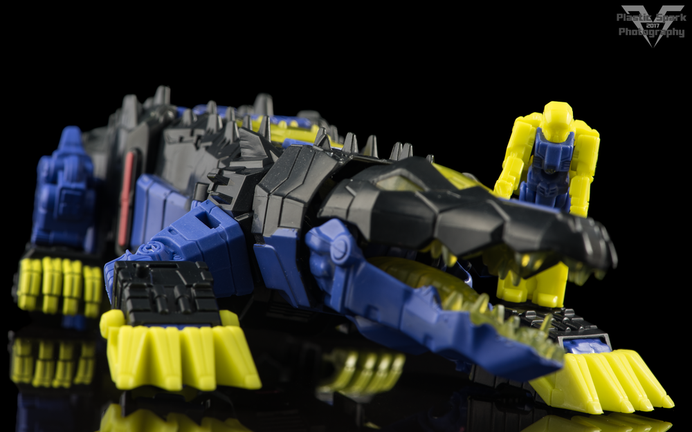 Hasbro-Titans-Return-Deluxe-Krok-(9-of-10).png