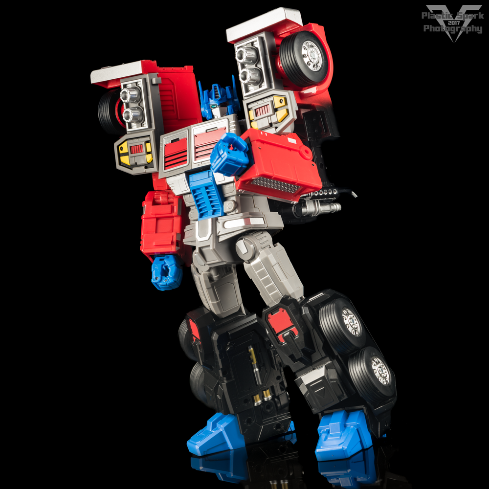 Review Fans Hobby Mb 04 Gunfighter Ii Sample Plastic Transformers Mp 10 Optimus Prime Convoy Takara In The Best Ways I Love Addition Of Locking Mechanisms Legs Just Be Sure To Press Button Before