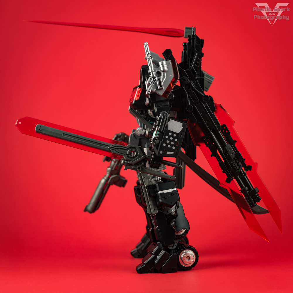 Maketoys-MTCD-01SP-Striker-Noir-(2-of-36).png