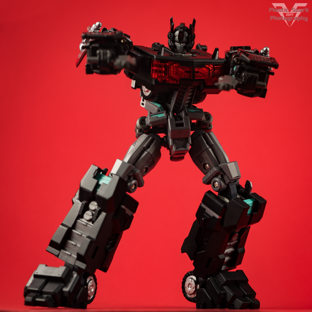 Maketoys-MTCD-01SP-Striker-Noir-(7-of-36).png