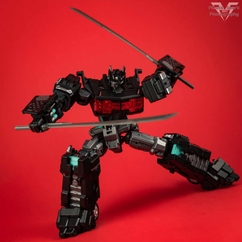 Maketoys-MTCD-01SP-Striker-Noir-(12-of-36).png