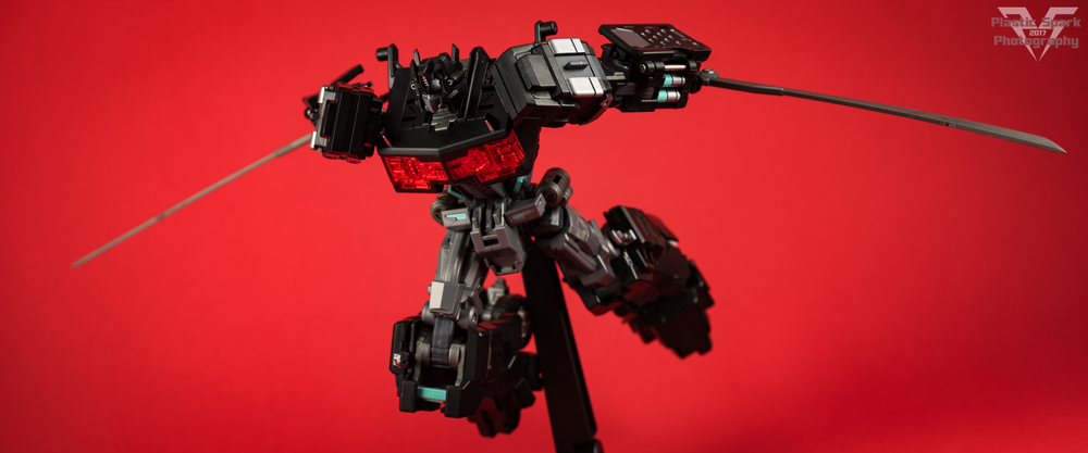 Maketoys-MTCD-01SP-Striker-Noir-(13-of-36).png