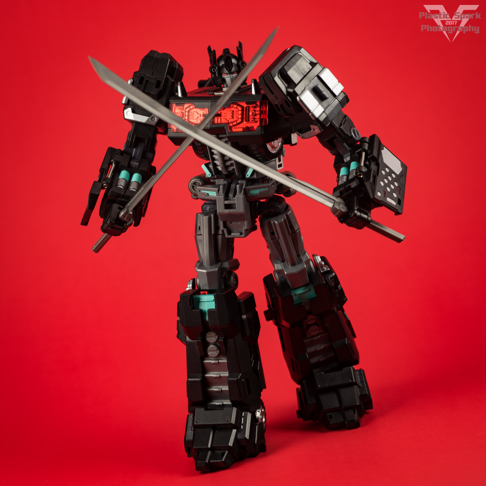 Maketoys-MTCD-01SP-Striker-Noir-(14-of-36).png