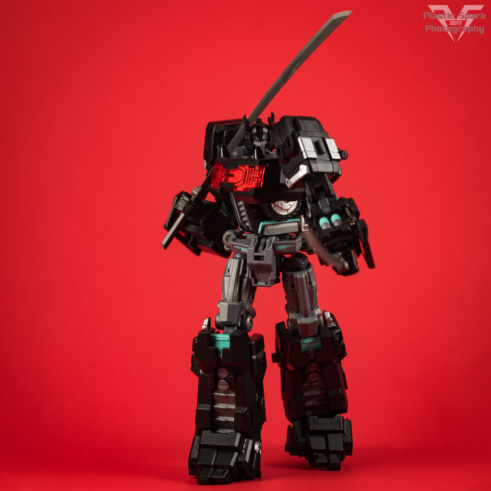 Maketoys-MTCD-01SP-Striker-Noir-(15-of-36).png