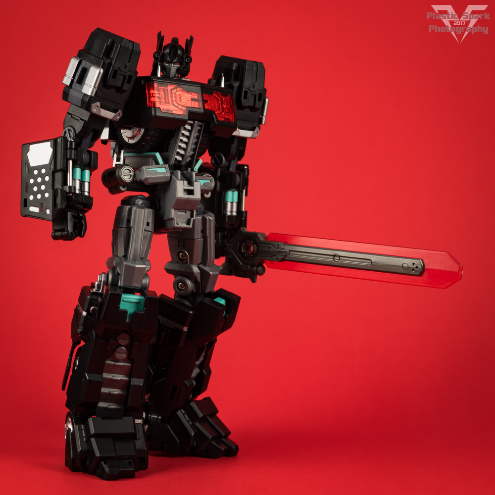 Maketoys-MTCD-01SP-Striker-Noir-(20-of-36).png