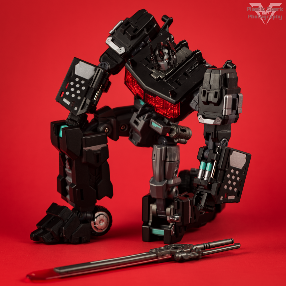 Maketoys-MTCD-01SP-Striker-Noir-(21-of-36).png